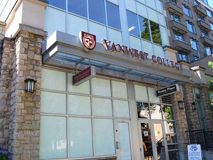 czechus_studuj_v_kanade_vanwest_college6