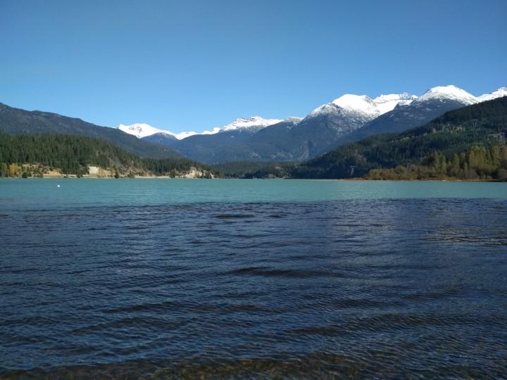 Jezero v kanade